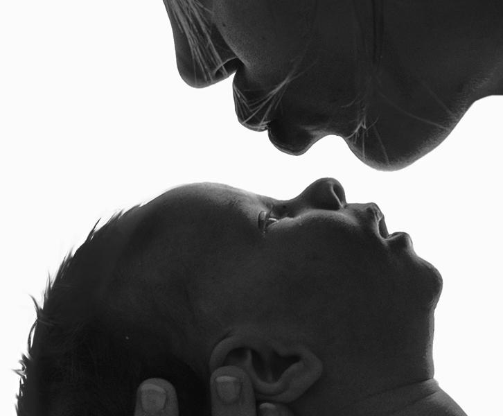 künstlerische Portraitfotos, Babyfoto, schwarz-weiß, Fotograf, Linz, Salzburg, Wels,
